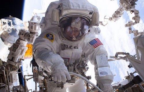 Kadın astronot NASA'nın rekorunu kırdı!