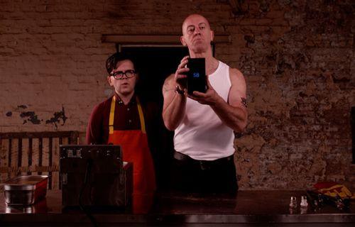 Galaxy S8 kızartmasını gördünüz mü? (Video)