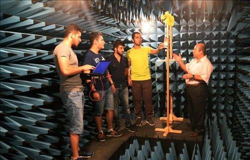 Türk öğrenciler 6,5 ayda model uydu yaptı!