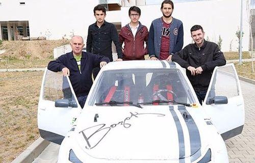Yük taşıyan elektrikli araç ürettiler!