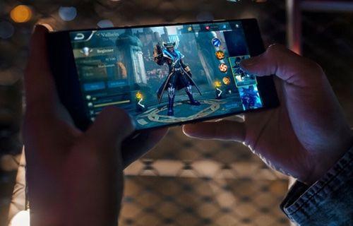 Razer'ın oyun canavarı telefonu tanıtıldı!