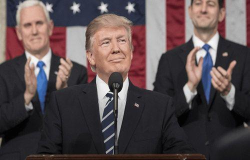 Beyaz Saray'da çalışanların telefon kullanması yasaklanıyor