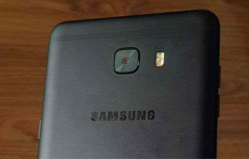 Galaxy C9 Pro'nun mat siyah rengi sızdırıldı