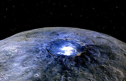 Cüce gezegenin yüzeyi, bilim adamlarının beklediği gibi değil