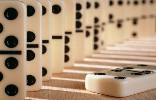 Muhteşem domino gösterisi rekor kırdı - Video