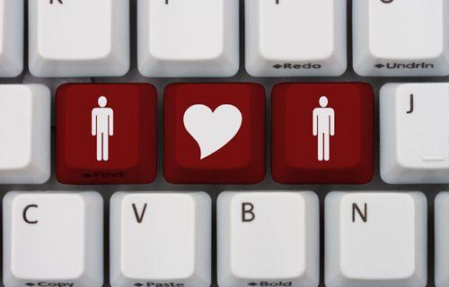 eÇift'in 'Dijital çağda Aşk' üzerine yaptığı araştırmaya göre Facebook profiliniz inceleme altında!