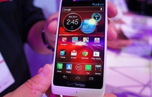 Motorola Razr'ın yeni versiyonları geliyor