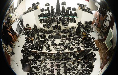 Fotoğraf makinesi tutkununun akılalmaz koleksiyonu