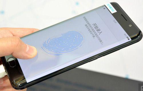 Ekran altı parmak izi tarayıcı ile gelen ilk telefon!