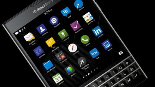İşte eşsiz telefon BlackBerry Passport'un QWERTY klavyesi