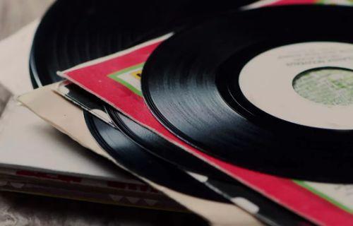 Sony, CD yerine plağı seçti!