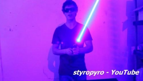 Styropyro DIY Işın Kılıcını Hazırladı