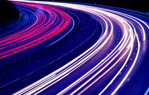 Elektrikli yollar otomobilleri şarj edecek