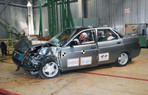 Otomotiv Tarihinin En Başarısız Çarpışma Testi: LADA - Priora