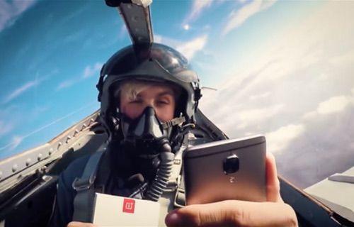OnePlus 3T'nin kutusunu savaş uçağında açtılar!