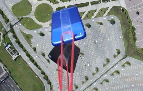 iPhone 7 ve Google Pixel, 305 metreden aşağı atıldı!