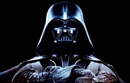 Plastik kaşık ile Star Wars'un efsanevi Imperial March'ını çaldı!